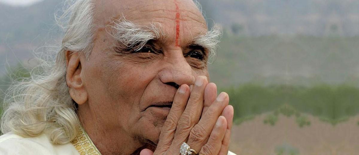 In honour of BKS Iyengar 1918-2014